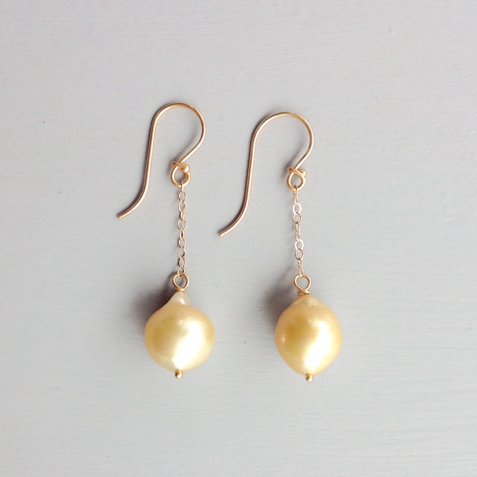 14kt Gold Earrings With Yellow Pearls